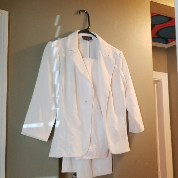 My Michelle Other - Off white pant suit